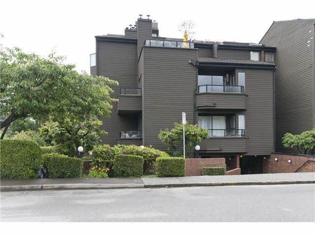 Very Well Managed 2 BDRM condo in f Ambleside, West Vancouver