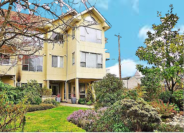 Beautiful Condo unit in the middle of Kerrisdale !