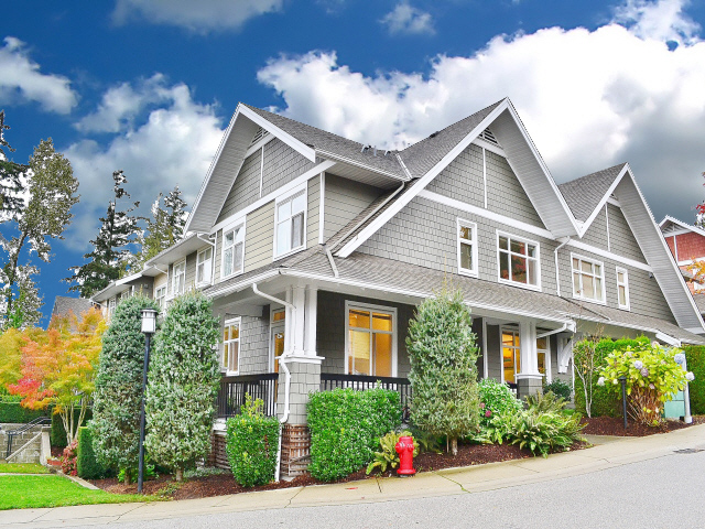 Fabulous 3 bedroom Townhome in South Burnaby