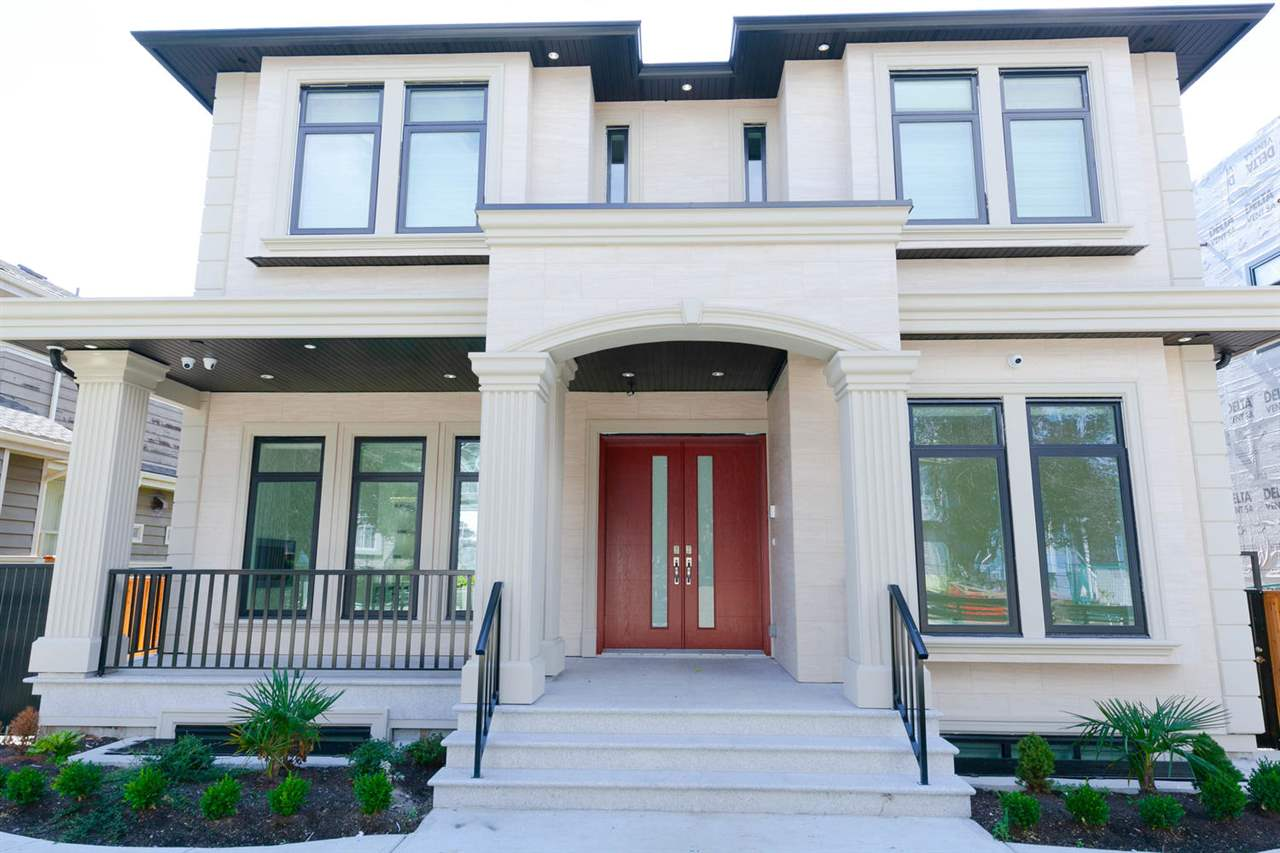 Ultra Luxury Brand New House in the Oakridge Area of Vancouver Westside !