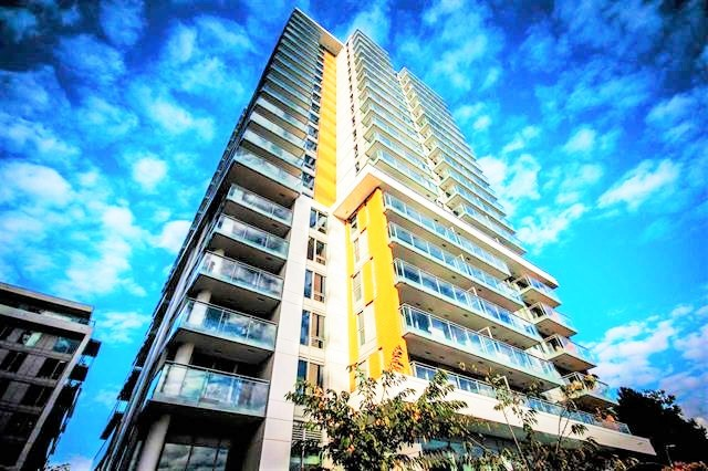 Luxury 3 Bedroom condo with fabulous City and Mountain Views in Concord's W1!